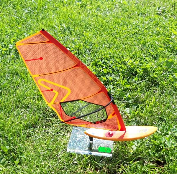 Modell-Surfer Severne-Starboard