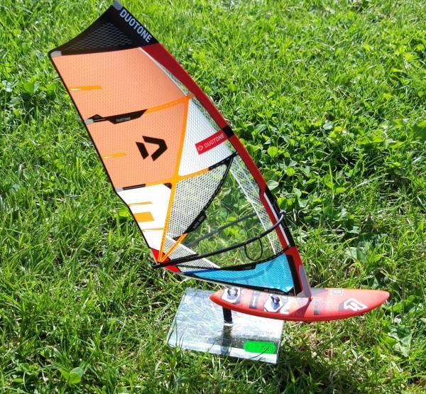 Modell-Surfer Duotone-Fanatic